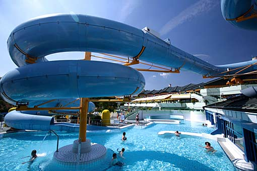 Therme Loipersdorf Black Hole Rutsche