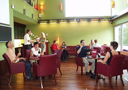 Weinverkostung im Hotel SEMI Weinsalon in Lutzmannsburg