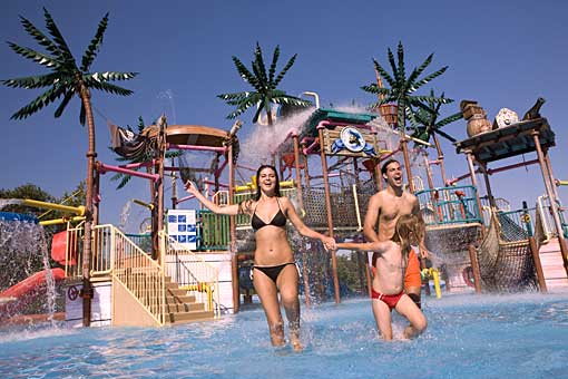 Badespass in der Sommerthermalriviera Therme Catez