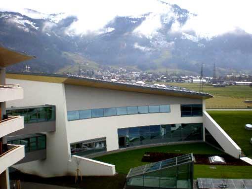Blick vom Hotel Richtung Kitzsteinhorn - Therme Kaprun