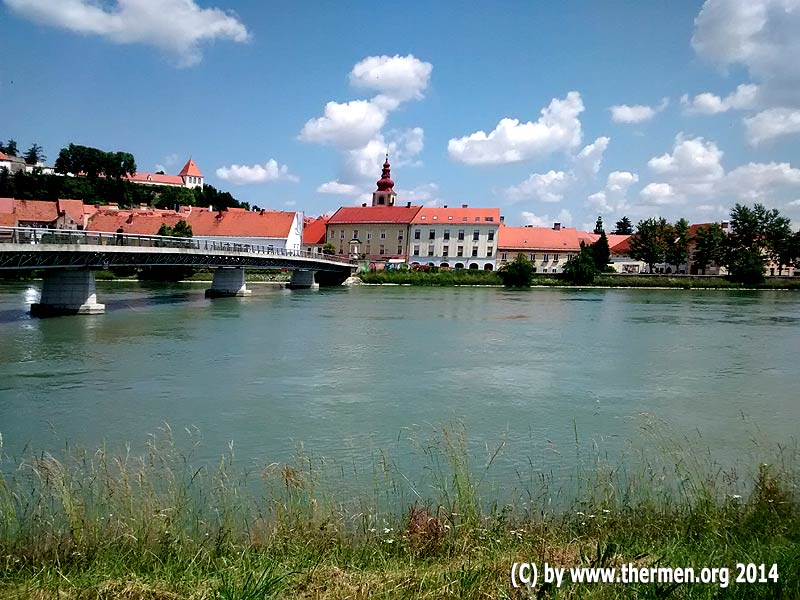 Altstadt von Ptuj mit Murbrücke